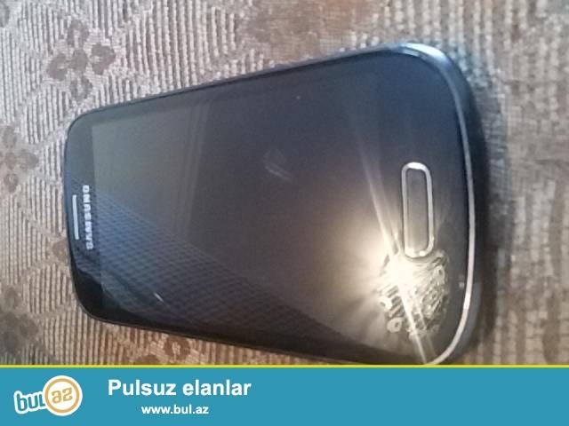 Samsung galaxy s3 mini satilir 8gb daxili yaddawi var alandan uc ay sonra  ekrani xarab olub o vaxtdan beri iwletmemiwem...