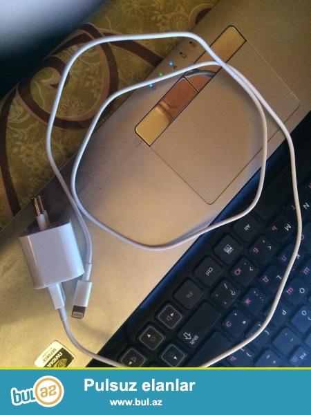 iPhone adaptoru satıram adaptor başlığı və usb kabeli ilə birlikdə.