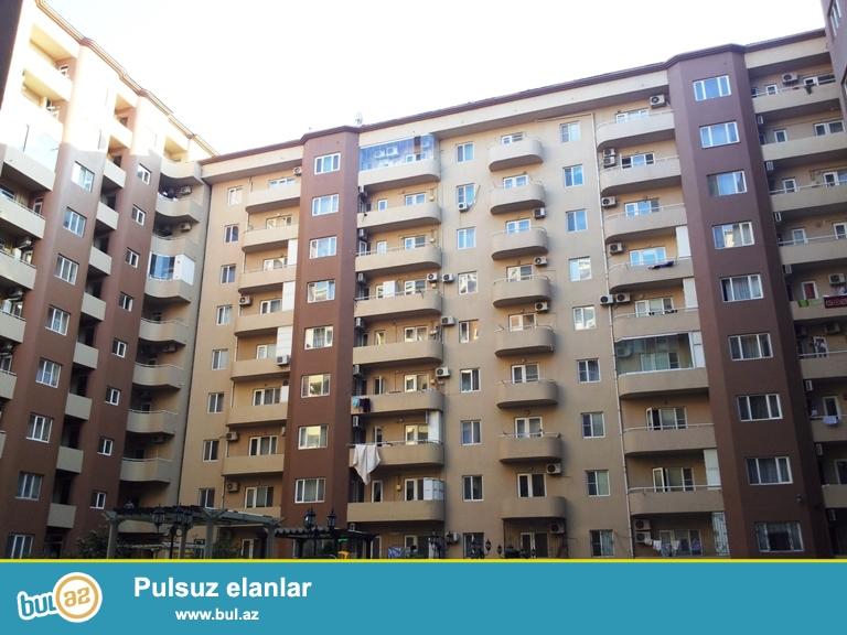 СРОЧНО !!! НОВОСТРОЙКА !!! Cдаётся 3-х комнатная квартира в центре города , в близи метро Элмляр Академиясы и рядом с Бакинским государственным университетом ...