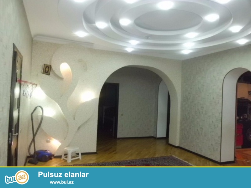 Шимахинка по проспекту Москва. B элитном комплексе, продается 3-х комнатная квартира...