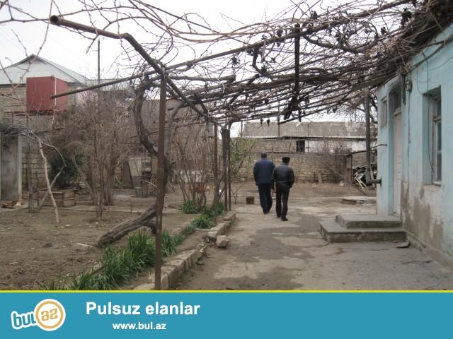 Sabunçu rayonu, Zabrat 1 qəsəbəsi, əsas yola 100 metr məsafədə, qayının yanında, 7 sot torpaq sahəsində, ümumi sahəsi 100 kv...