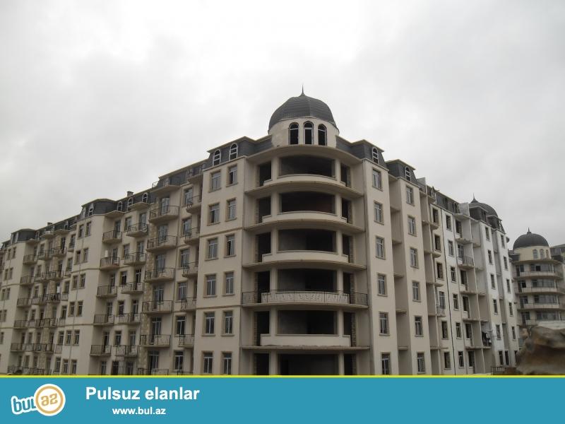 Xırdalan şəhəri AAAF park yaşayış kompleksində yerləşən 7 mərtəbəli binanın 3-cü mərtəbəsində 3 otaqlı mənzil satılır...