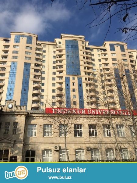 Capayev Tefekkur Universitetinin yani  Tam hazir bina Tecili satilir 18 mertebeli binanin 1 ci mertebesi 125 kv 2 otaqli