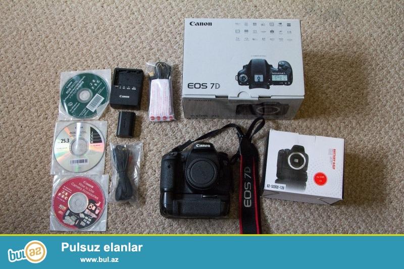 """Canon EOS 7D 18.0 MP Digital SLR Camera.<br /> <br /> istifadəçi kitabçası:<br /> <br /> Brand Canon<br /> Model 7D<br /> Əsas Xüsusiyyətlər<br /> Camera növü Digital SLR<br /> Ekran ölçüsü 3 """"<br /> Optical Sensor<br /> Sensor Tipi CMOS<br /> <br /> Daha ətraflı məlumat üçün bizimlə əlaqə saxlayın:<br /> <br /> Gmail: salesmarket27@gmail..."""
