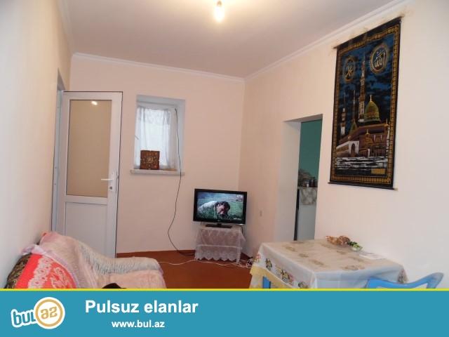 Maştağa qəsəbəsi tam merkezde 1,5 da sotda 3otaqli həyət evi satılır...