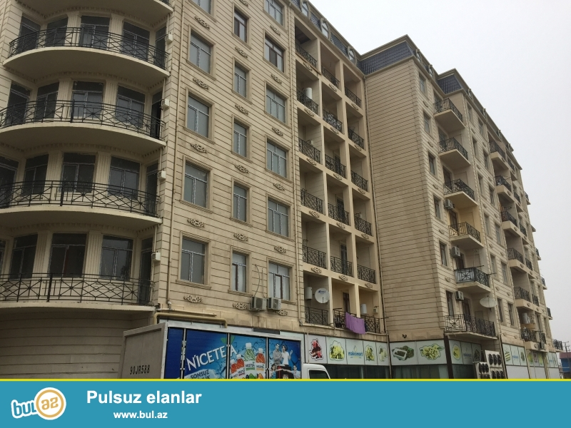 Xırdalan şəhəri AAAF park yaşayış kompleksində Makro marketin binasında mənzil satılır...