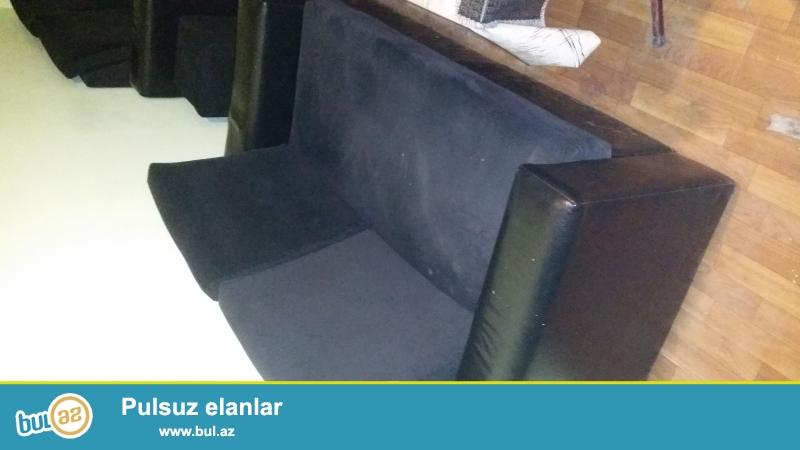 Kafe ucun stol-stul satiram ucuz qiymətə. 1stol-4stul 80azn. Özüm 150 manata almışdım dəstini...