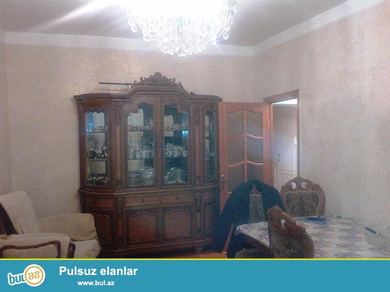 Satılır Nerimanov,Təbriz küçəsi daş   leninqrad layihəli binada 3 otaqlı mənzil...