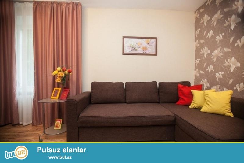 Gunuk kiraye evler Bakida. Seherin merkezinde 2 otaqli ev gundelik kiraye verilir...