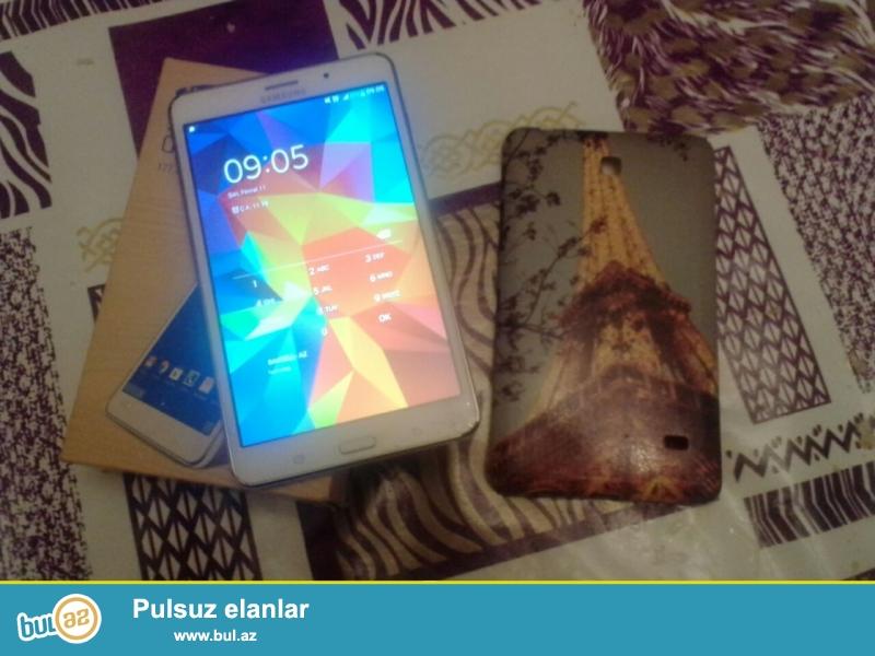 Samsung tab 4satiram.5 6 ay iwlenib qiz iwledib hec bir problemi yoxdu herweyi qaydasindadi teze kimidi kabrosuda var telefonun uzunun plonkasida var ...