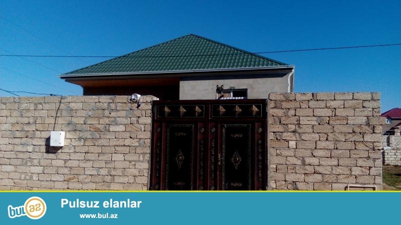 Sabuncu Rayonu Zabrat qesebesinde milonerler mehellesinde 4 sot torpagin icinde 4 otaqli ev 145...