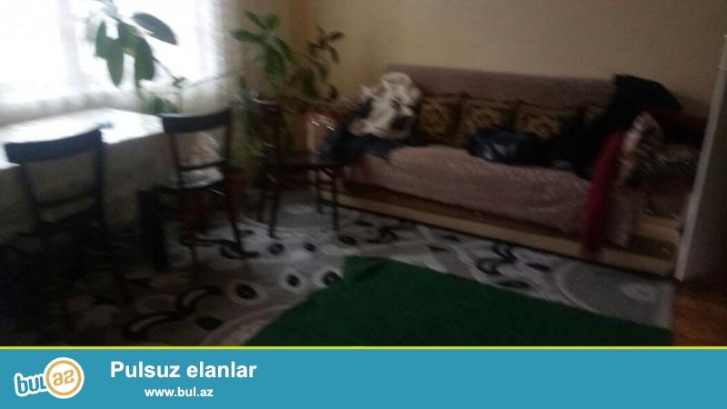 Sabunçuda 155 nömrəli məktəbin yaxınlığında 2 otaqlı ev satılır...
