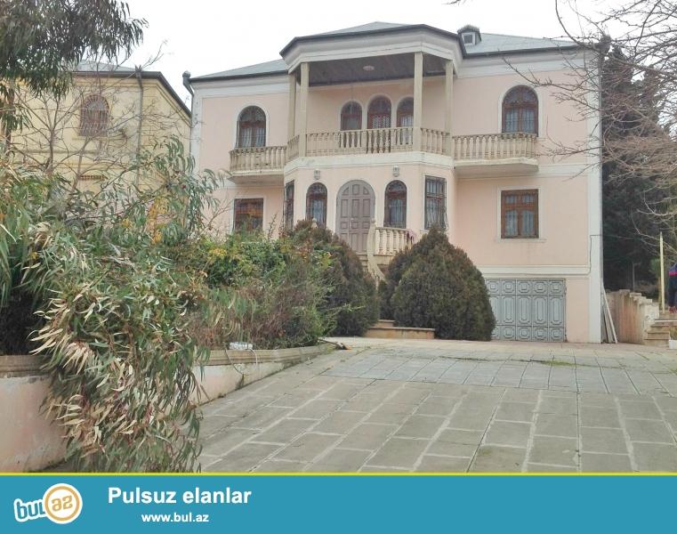 Razinde Eli Kerim(Varlilar Mehellesinde) unvaninda 3 mertebeli Villa kiraye Verilir...