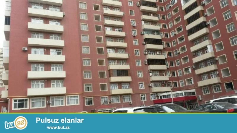 8-ci mkrda, Monte Kristo şadlig sarayinin yaninda, elit, tam yaşayiş olan Qazli ve Kupcali kompleksde 2 otagli ev satilir, 16/10, umumi sahesi 87 kv...