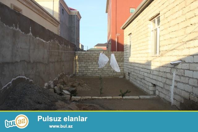 Bakı şəhəri, Koroglu metrosuna yaxın, Olimpiya stadiyonu ilə üzə üz, 186, 185 nömrəli marşrut yolunun üsdü, 2...