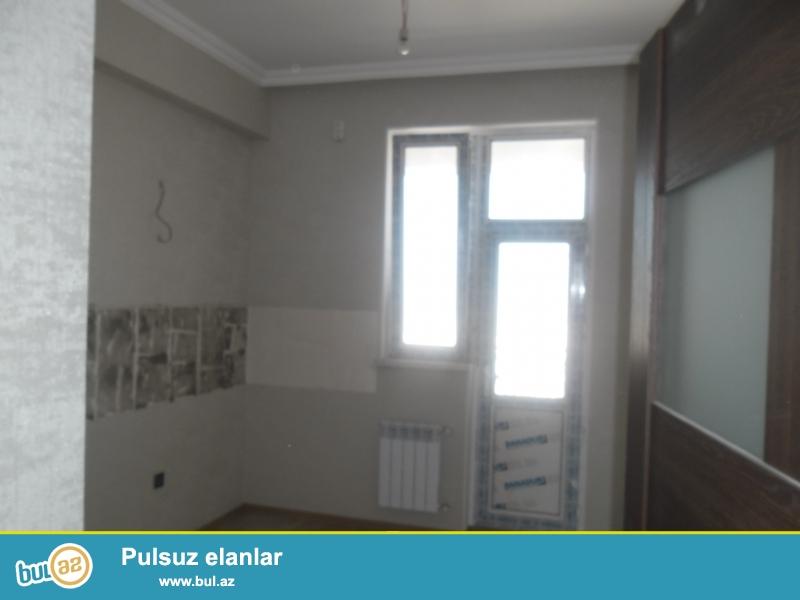 Xırdalan şəhəri Kristal Abşeron yaşayış kompleksində yerləşən 12 mərtəbəli binada tam təmirli mənzil satılır...