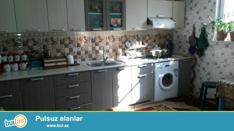 Məjəmmədi  kəndində 2 otaqlı ev təcili olaraq satılır. Evin otaqları 20kv.mt. Geniş və təmirli mətbəxi var...