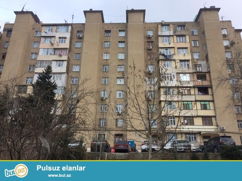 Yeni Guneshli, A/B yashayish sahesinde, 9 mertebeli, 4 bloklu binanin 3-cu bloku, 2-ci mertebesinde, kiyev lahiyeli, sahesi 45,61 m² olan zeif te'mirli menzil satilir...