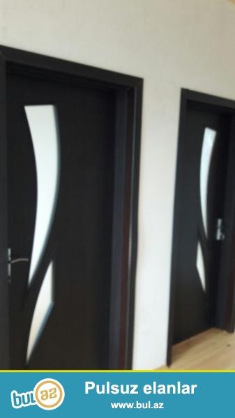 Sabuncu rayonu Mastaga qesebesinde kirov dairesinde esas yoldan 50 m aralida 2 sotun icerisinde yerden 6 daw kursulu,qosa dasla tikilmis , 3 otaqli evin umumi sahesi  100 kv olan  ev satilir ...