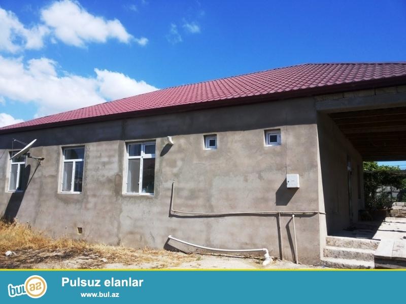 Срочно! Продается 1-но  этажный частный дом, расположенный на 4,5 сотки приватизированном земли, в поселке Мардакан, рядом с судом, возле Бомба убежище...