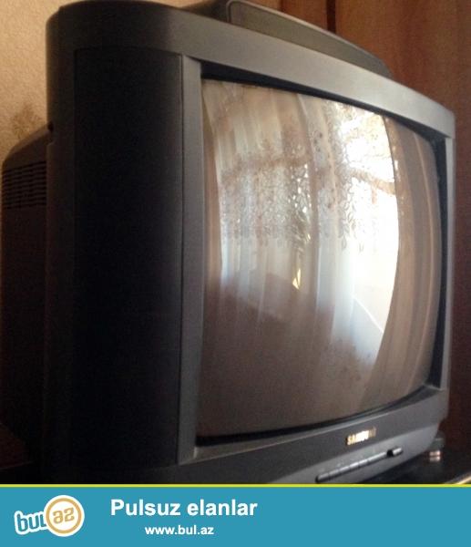 Samsung televizoru 80 azn, nina 60 , çox kohne televizor ise 20 azn her biri işleyir maraqlananlar 055-705-95-35 nomresine zeng etsin