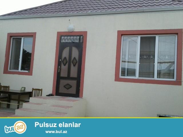 Sabuncu rayonu Maştağa qəsəbəsi Firat mebel evinin arxasinda 1,8 sot torpaq sahəsində 5 daş kürsülü,ümumi sahəsi 80 kv...
