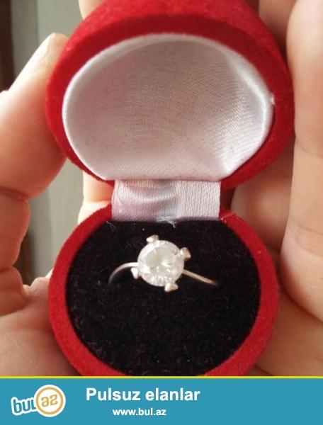 Sevgililer gunu ucun ideal hediyye Tək qaş xalis gümüş üzük...
