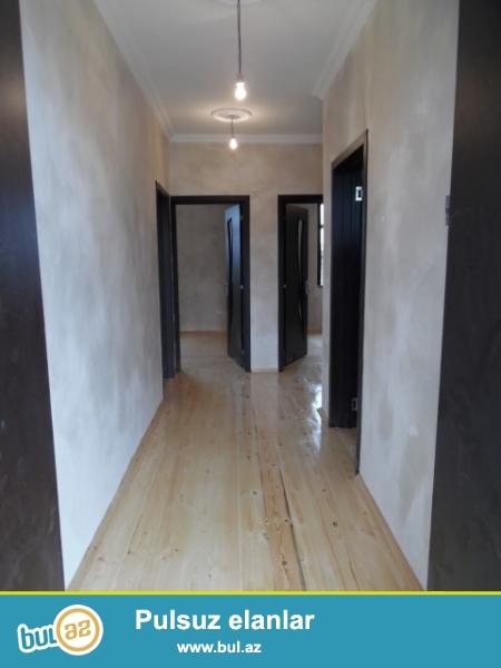 Baki she. Maştağa qəsəbəsi  tam merkezde   kirov dairesi  firat mebille uzbe uz   3 otaqlı həyət evi satılır...