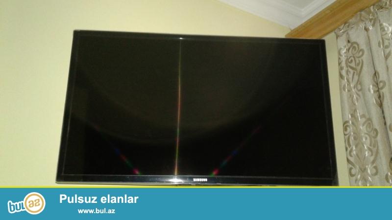 Samsunq Televizor. 82 / 44 ekran.<br /> Çox az istifadə olunub ideal vəziyyətdədir hətda üstünün Kulyonkalarıda üstündədir...