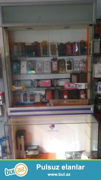 Super işıqlı telefon aksesuarları üçün vitrin çox gözəl vitrindir...