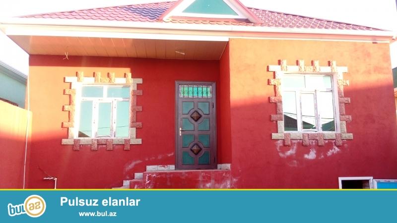 Sabuncu rayonu zabrat qesebesinde 2.05.sot torpagin icinde 4 otaqli ev super temirli evin kv...