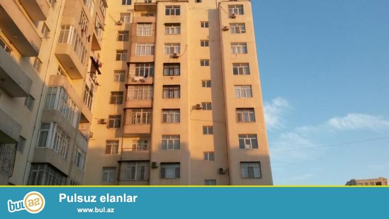 3 мкр, за универмагом Москва, в элитном, полностью заселенном комплексе с Газом и Купчей продается 3-х комнатная квартира, 11/9, общая площадь 115 кв...