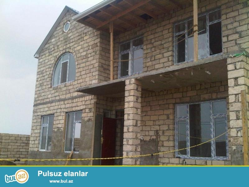 Очень срочно! В поселке Шувалан - Сучулар , продается 5-ти  комнатный 2-х этажный  частный дом белетаж  расположенный на 4 сотках земли, который за дополнительную оплату можно увеличить ещё на 2 сотки , площадью  275 квадрат , с  неоконченным  ремонтом...