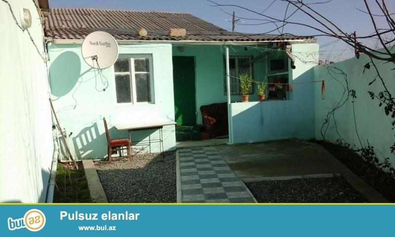 Sabunçu rayonu Maştağa qəsəbəsi 186 və 107 marşurutun yolu üstə 2 sot torpaq sahəsində ümumi sahəsi 100 kv...
