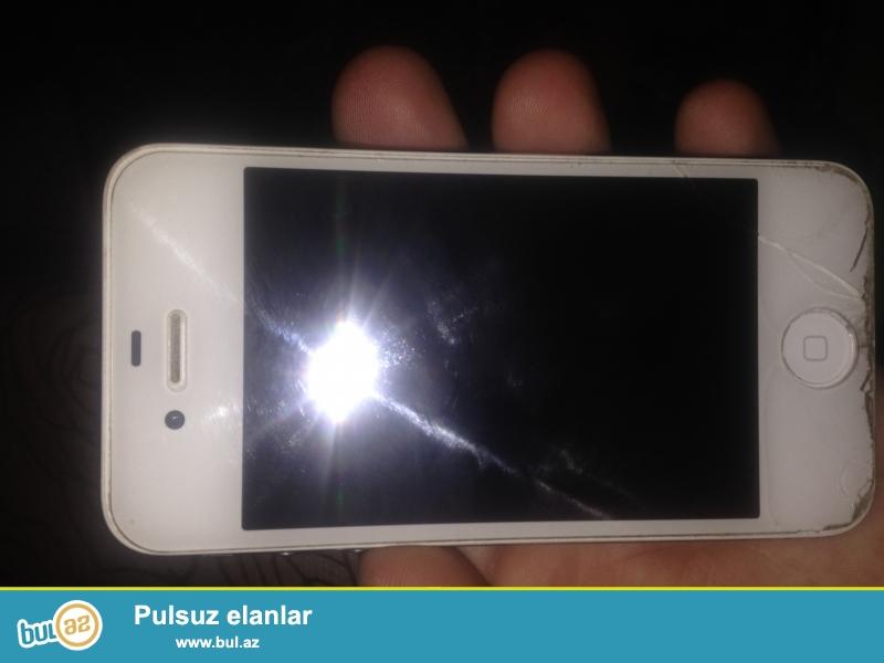 Iphone 4S. Wekilde gorunduyu kimi catlari var. Iclode parolun bilmirem...
