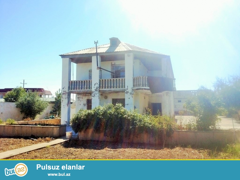 Срочно! Продается 2-х этажный дом старого строения, в поселке Шувалан, от Шувалан парка в сторону моря, расположенный на 18 сотки земли...