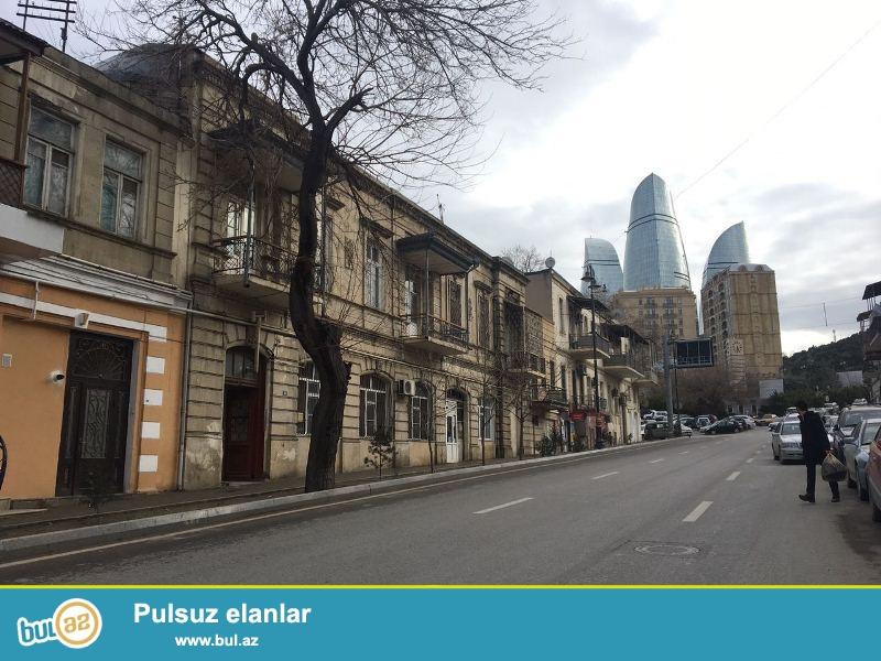 Şəhərin mərkəzində,Səbail rayonu, İçərişəhər metrosu, Mehdi Hüseyn küç...