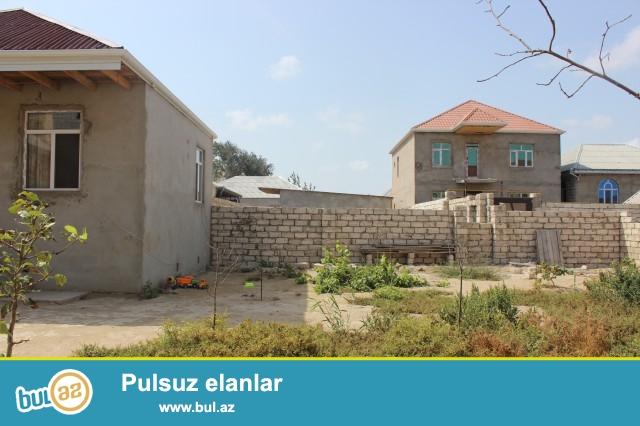 Sabunçu rayonu Zabrat 2 qəsəbəsi, Seyid marketin arxasında, 2 sot torpaq sahəsində 5 daş kürsülü, ümumi sahəsi 50 kv...