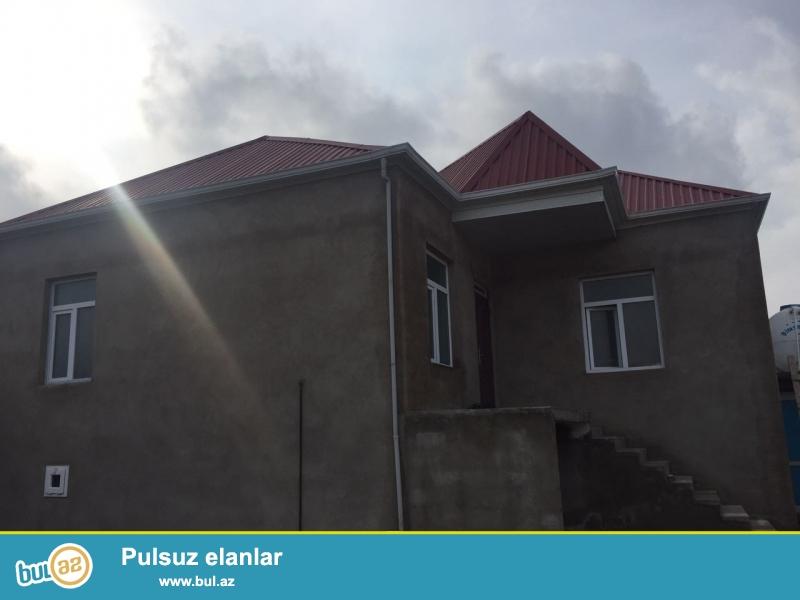 Cox təcili olaraq Masazirin merkezinde ana yola 3 deqiqelik piyada 1 sot yarim  torpaqda 95 kv metrlik 3 otaqli temirli heyet evi...