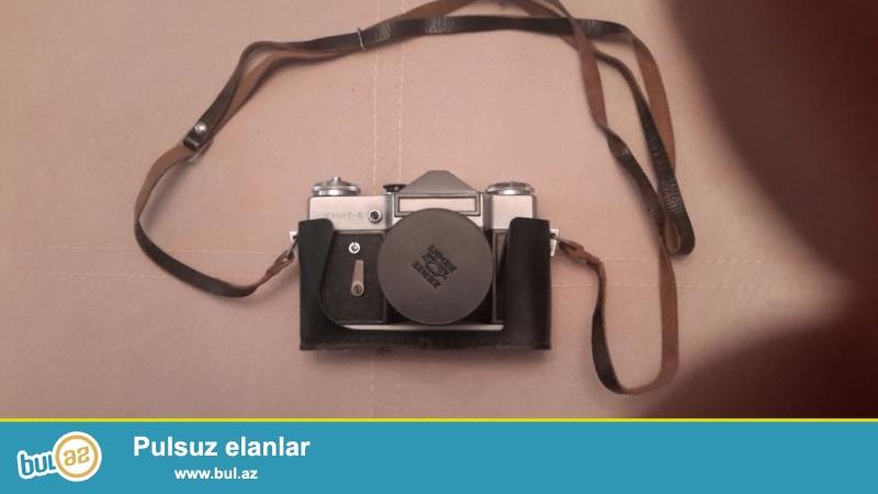 Antikvar Zenit E markali SSSRI istehsali fotoaparat satilir...