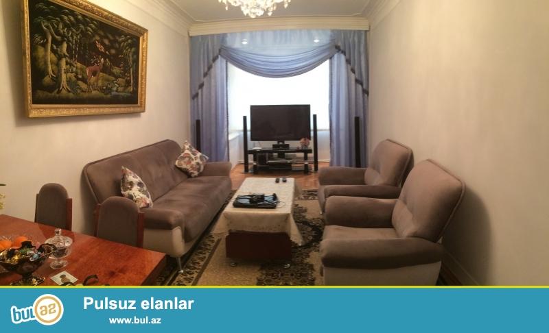 Xırdalan şəhəri Mərkəzində 78m2 leninqrad stilli 3 otaqlı əla təmirli ev satılır...