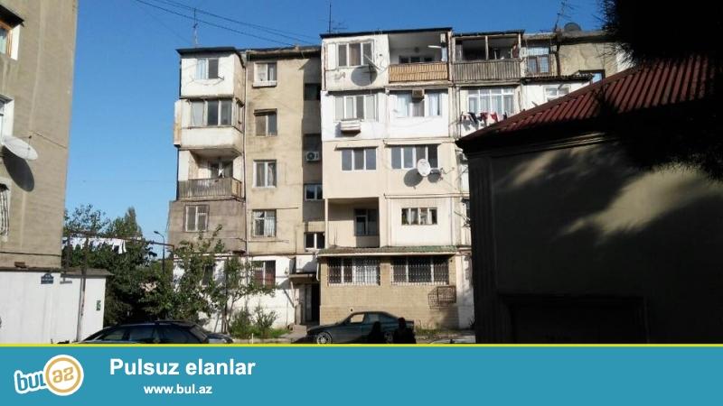TECILI!!!  Yasamalda, Serifzade kucesinde, ATS-in yaxinliginda 1 otagli ev satilir...
