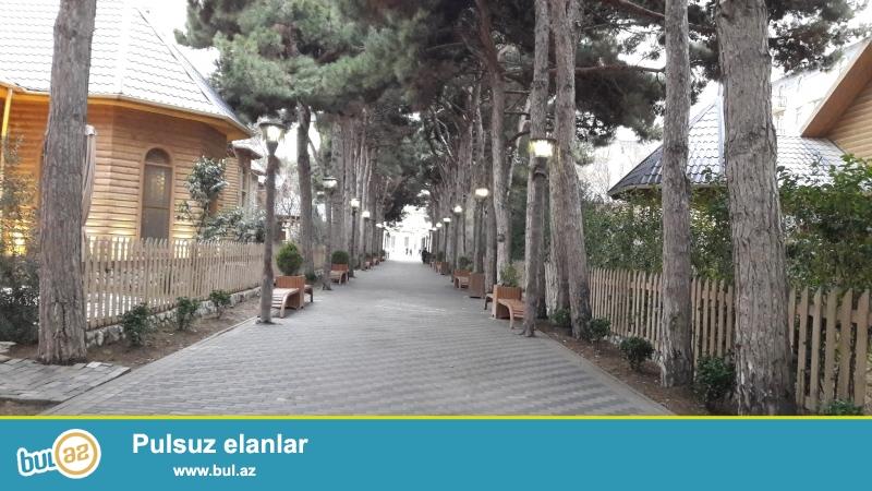 Xırdalan şəhəri AAAF park yaşayış kompleksində məscidin yanında inşaa olunmuş hazır binada 2 otaqlı pod mayak mənzil satılır...