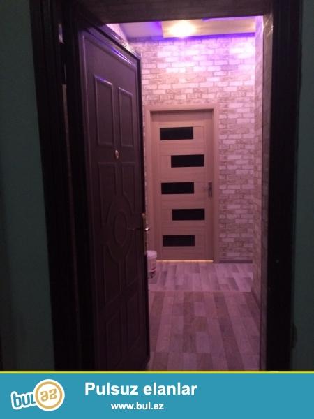 Xırdalan şəhəri AAAF park yaşayış kompleksinin girişində 4 mərtəbəli binada 3 otaqlı təmirli mənzil satılır...