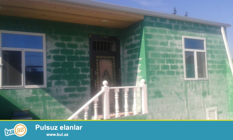 Maştağada məktəbə yaxın maqistral yoldan 100 mt aralıqda 1...