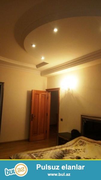 Продается люкс квартира ок.  м/с «Хатаи»,   по ул. С. Везирова 17, за ИВ Хатаинского р-она...