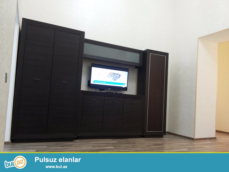 Qış parkın yanında, Heydər Əliyev Sarayının arxasinda birotaqlı mənzil icarəyə verilir...