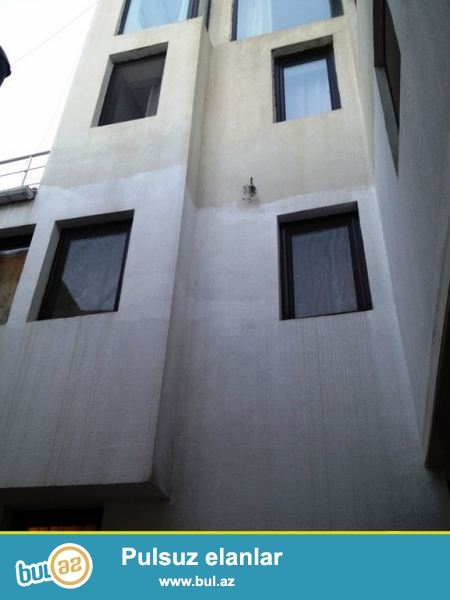 Очень срочно! Сдается в аренду 4-х этажная вилла  в Ичери Шехер, по улице Кичик Гала, площадью 500 квадрат, с евро ремонтом, расположенная на 2 сотки земли...