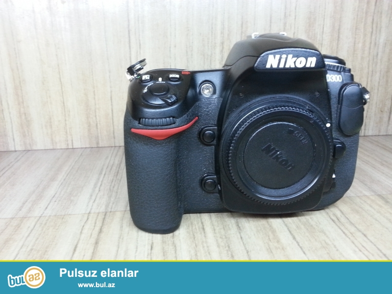 Nikon D300 Hec bir problemi yoxdu cekilisine soz ola bilmez bilen bilir nece fotoparatdi...