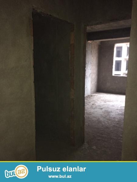 Xırdalan şəhəri AAAF park yaşayış kompleksində inşaa olunan binada 2 otaqlı mənzil satılır...